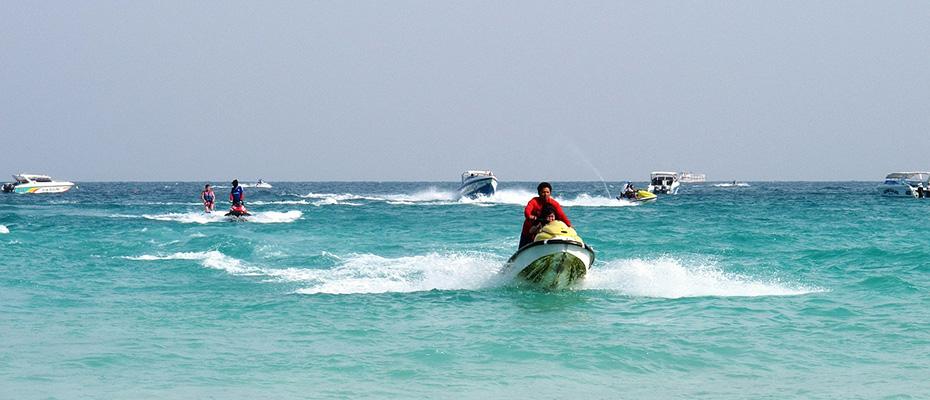 泰國芭堤雅格蘭島水上活動摩托艇