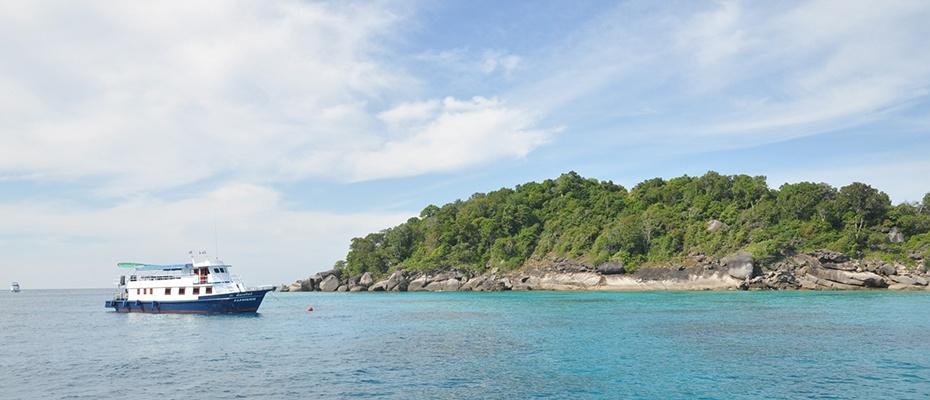 泰國布吉皇帝島珊瑚島浮潛一日遊,泰國布吉皇帝島珊瑚島潛水一日遊,泰國布吉皇帝島珊瑚島浮潛locatour,泰國布吉皇帝島珊瑚島浮潛出海,皇帝島一日遊,布吉一日遊