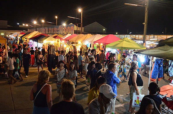芭堤雅最大的美食夜市,芭堤雅小吃,芭堤雅美食夜市