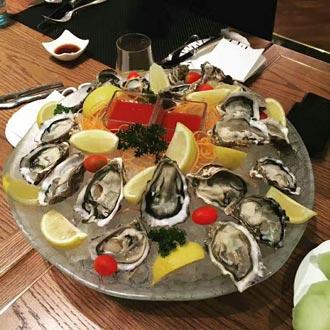 澳門勵宮酒店巴黎餐廳自助晚餐+金光飛航 香港港澳碼頭往返澳門氹仔碼頭船票套票