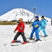 東京富士山滑雪一日遊(Yeti滑雪場/GRINPA冰雪樂園+Outlets/溫泉+可選接送)