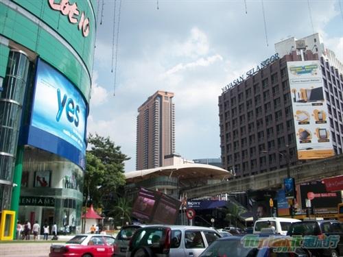 【吉隆坡】潮流地帶,吉隆坡LOT 10樂天購物中心